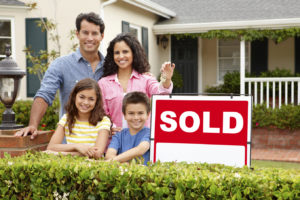 happy family sold home quickly in kelowna